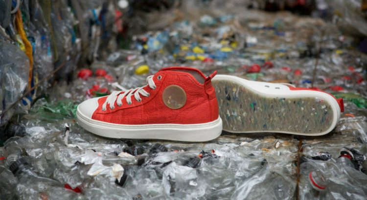 zouri Zouri, The Portuguese Brand That Transforms Plastic From Ocean Into Stylish Shoes zouri the portuguese brand that transforms plastic from ocean into stylish shoes 750x410
