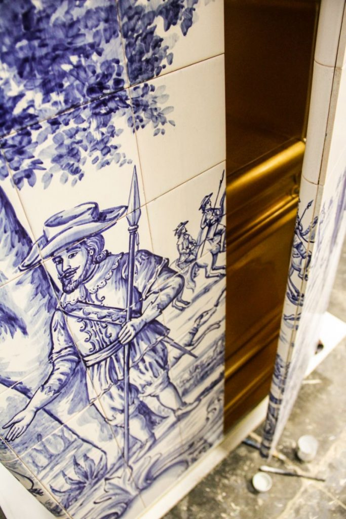 The Wonders Of Craftsmanship – Details Of Hand-Painted Tiles azulejo The Wonders Of Craftsmanship – Details Of Hand-Painted Tiles (Azulejo) The Wonders Of Craftsmanship Details Of Hand Painted Tiles 17 683x1024