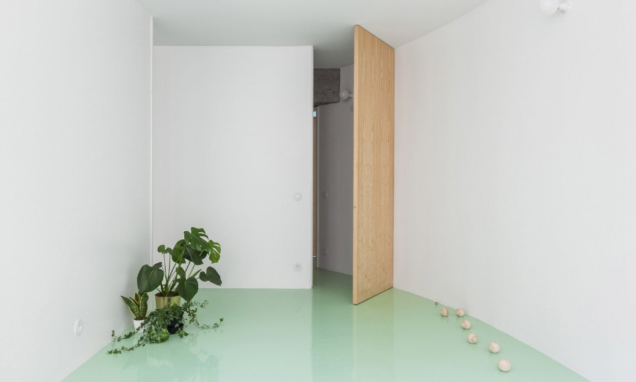 mint green floor This Apartment In Porto Has A Mint Green Floor And It Looks Amazing this apartment in porto has a mint green floor and it looks amazing 4 2