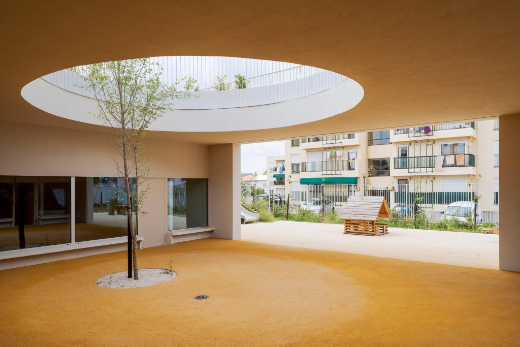 This Lisbon School Has Circular Holes Connecting Playgrounds On Two Levels lisbon school This Lisbon School Has Circular Holes Connecting Playgrounds On Two Levels this lisbon school has circular holes connecting playgrounds on two levels 3 1024x683