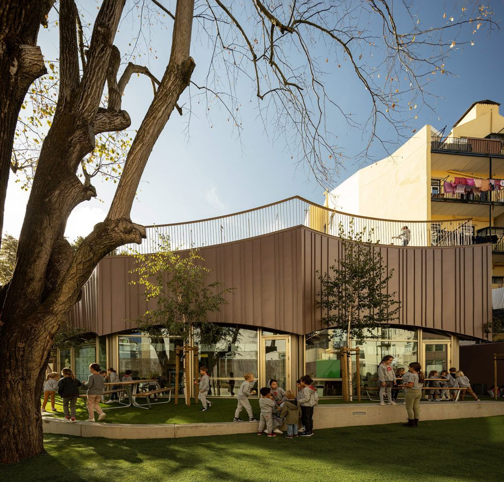 This School By ARX Portugal Features A Rooftop Playground arx portugal This School By ARX Portugal Features A Rooftop Playground this school by arx portugal features a rooftop playground 5 1024x979